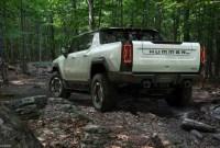 2023 GMC Hummer EV SUV Engine