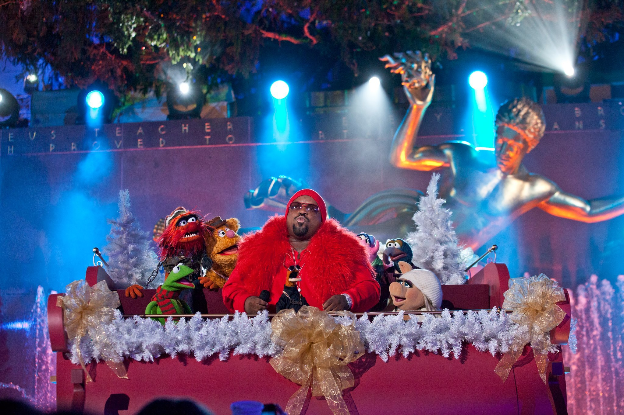 CeeLo Green performing with the Muppets at the Rockefeller Center Christmas Tree Lighting 2012/Photo Anthony Quintano & Free Will Astrology: Week of October 26 2017   Newcity azcodes.com