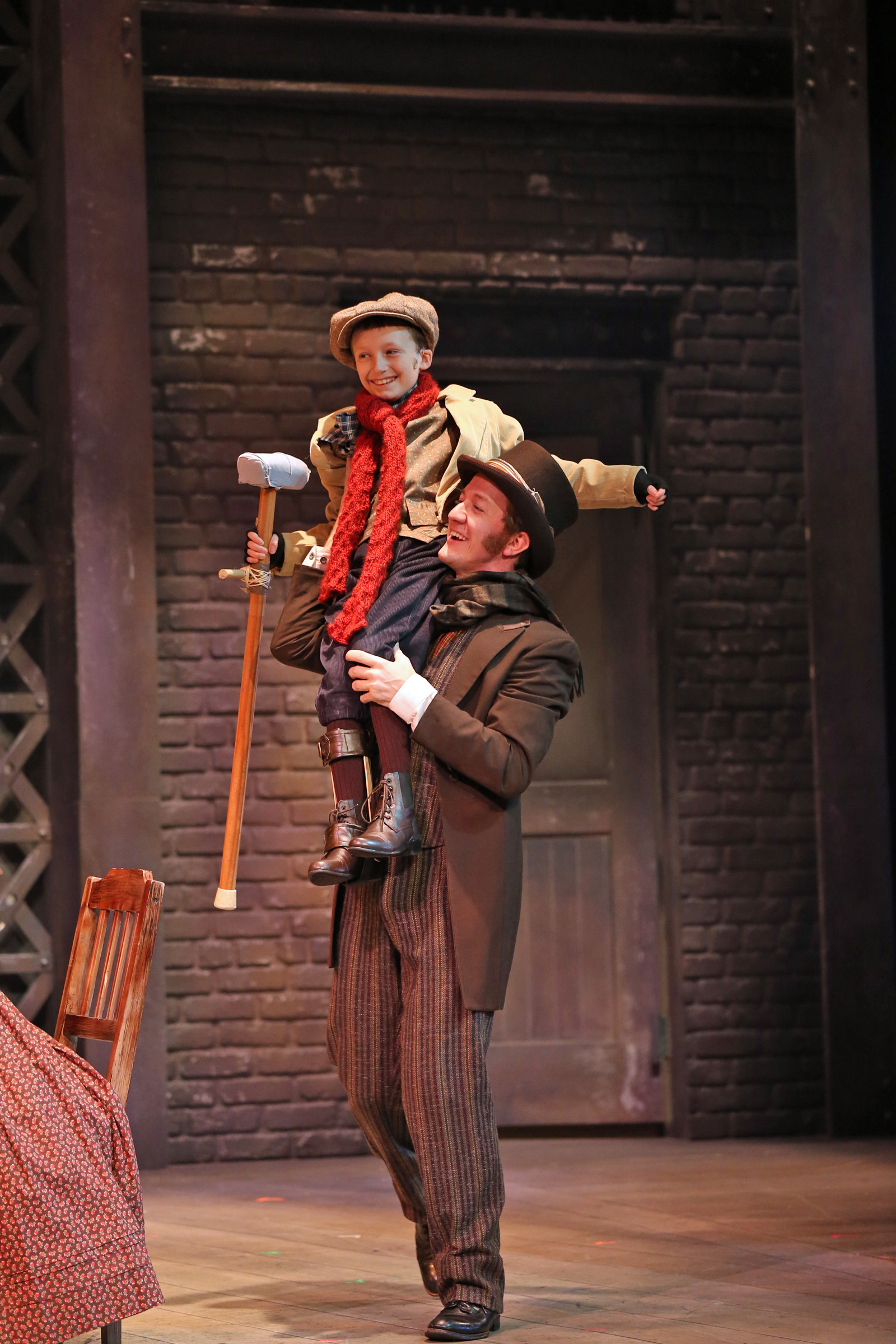 Review A Christmas Carol Drury Lane Theatre For Young