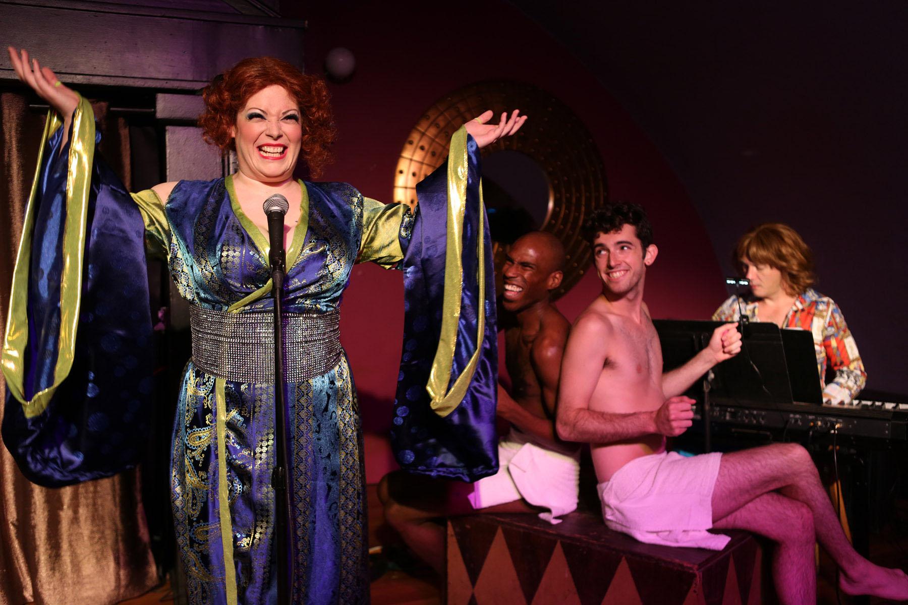 Review  Bette  Live at the Continental Baths Hell in a Handbag ... de889123d15cf