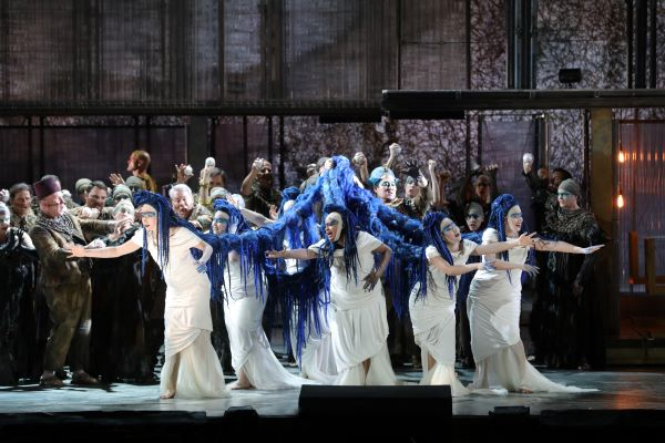 The daughters of Akhnaten. (Photo: Craig T. Mathew / LA Opera)