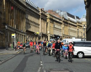 Cycling down Grey Street . Photo: Shannon Robalino