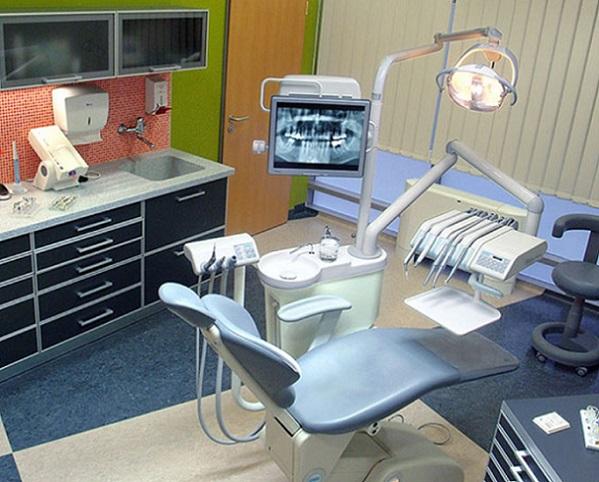 Implant dentaire en Hongrie Clinique