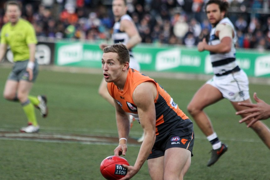 Devon Smith tried hard all day for the Giants amassing 16 disposals