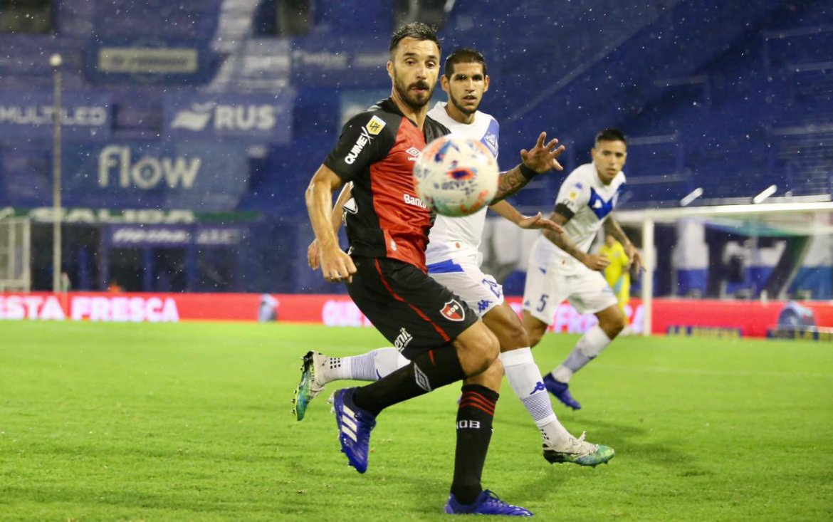 Vélez 1-0 Newell's: Pérez dismissed as Lucero goal wins it for El Fortín