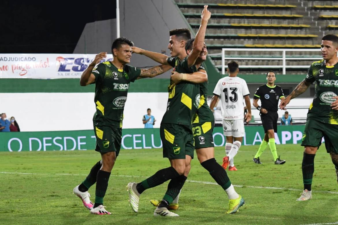 Defensa y Justicia 4-0 Newell's: Kudelka's reign ends in shame