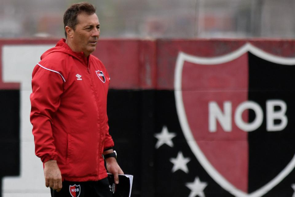 Frank Kudelka to leave Newell's Old Boys