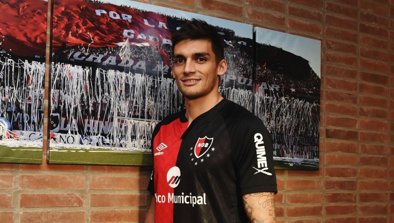 Newell's announce the signing of Huracán forward Juan Fernando Garro