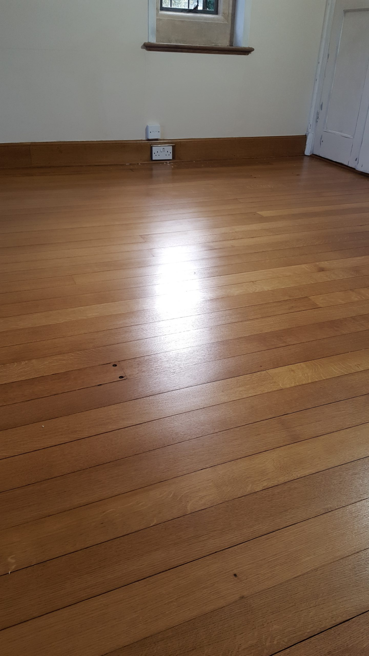 Edwardian English quarter grain oak floor shellac and waxed