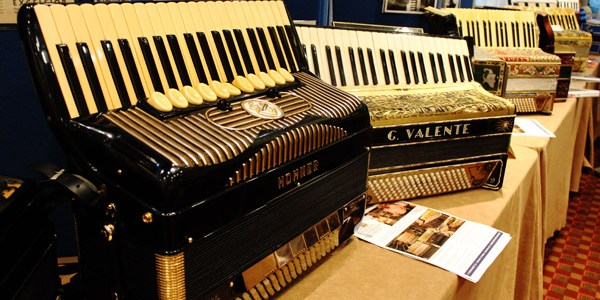 New-England-Accordion-Museum-Exhibit-Canaan-CT-AAA-accordion-convention-2014-display-classics-4