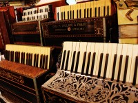 New-England-Accordion-Museum-Exhibit-Canaan-CT-MULTIPLE-ACCORDIONS-1