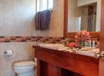 luxury-condo-belize-bedroom3-770x386