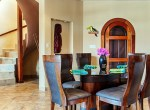 luxury-condo-belize-dining1-770x386