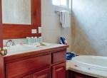 oceanview-condo-belize-bathroom4-770x386