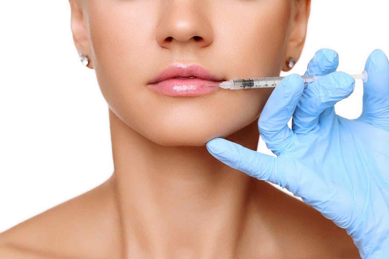 https://i2.wp.com/neweraskin.co.uk/wp-content/uploads/2017/08/cosmetic-surgery-blog-15.jpg?fit=1500%2C1000