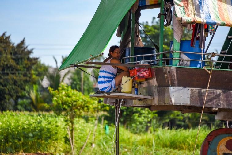 En traversant le Mékong pour nous rendre au Camboge @newyes