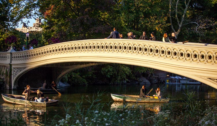 Die Bow Bridge im Central Park - © NYC & Company/Christopher Postlewaite