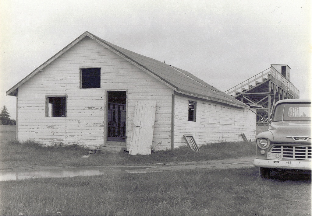 PEI-Lobster-Suppers-Original-Building