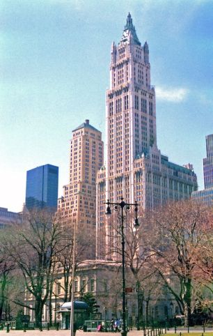Figure 6. Contemporary view of the Woolworth Building (Marjorie Pearson)