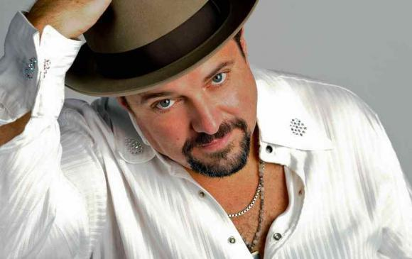 Raul Malo Live at The New Hope Winery (Wednesday Show)