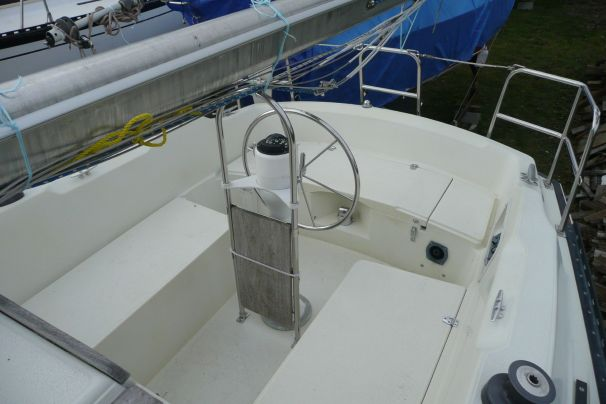 1980 Islander Yachts Catalina Style Sail Boat For Sale