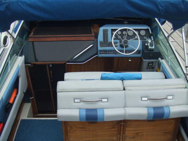 1987 Sea Ray 250 Sundancer Power Boat For Sale Www