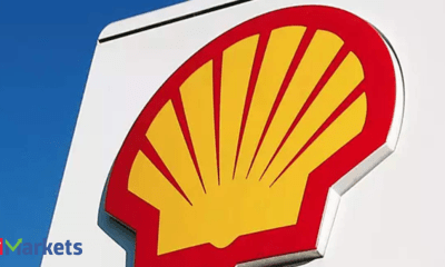 Shell raises dividend as CEO says oil output past peak