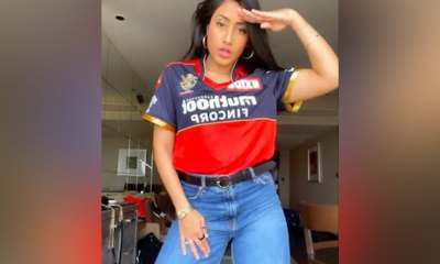 Watch: Yuzvendra Chahals Wife Dhanashree Verma Shows Off Dance Moves In RCB Jersey