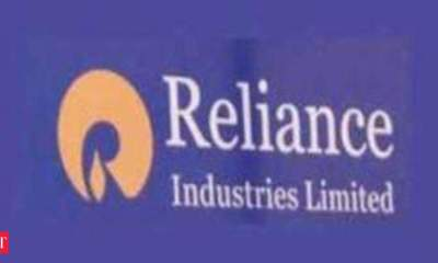 Reliance to acquire 40% stake in Manish Malhotra brand company