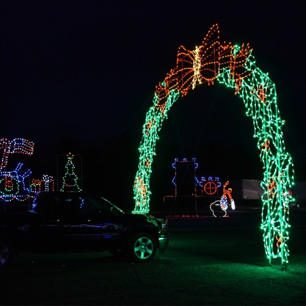 Skylands Christmas Lights 2020 Celebrate the Holidays at Skylands Stadium's Christmas Light Show