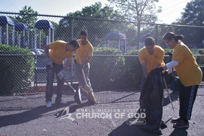 World Mission Society Church of God, wmscog, bogota, nj, ridgefield, veterans memorial park, cleanup, environmental protection, fireworks, debris, independence day, fourth of july, trash, Department of Public Works, mayor, Anthony Suarez, new jersey, bergen county