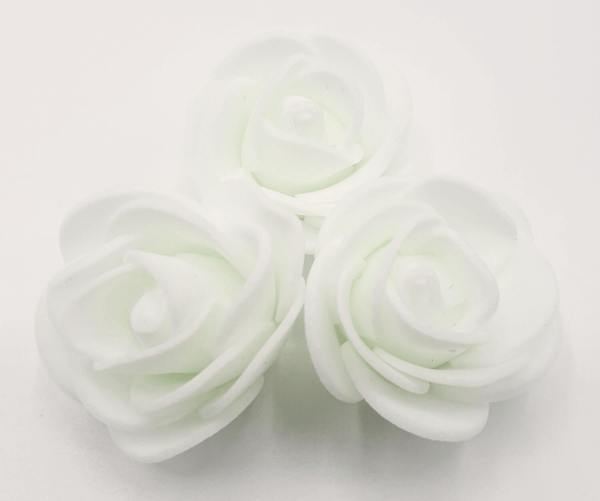 fleur embellissement mousse rose blanche