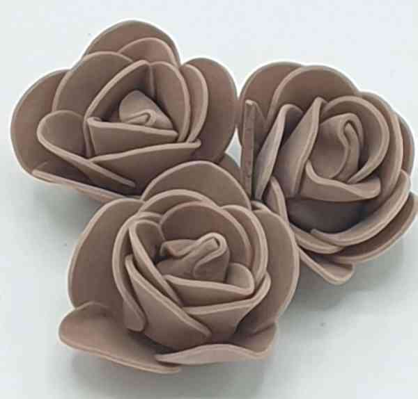 fleur embellissement mousse rose marron