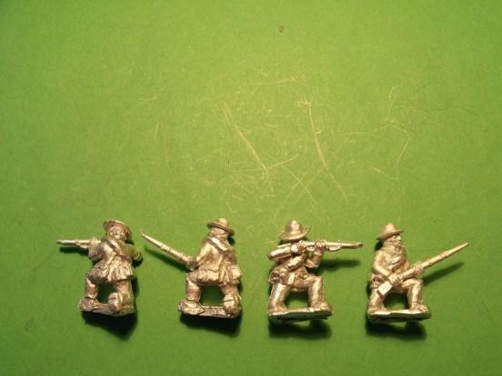 Infantry in Slouch Hat, Sack Coat & Blanket Roll, Kneeling