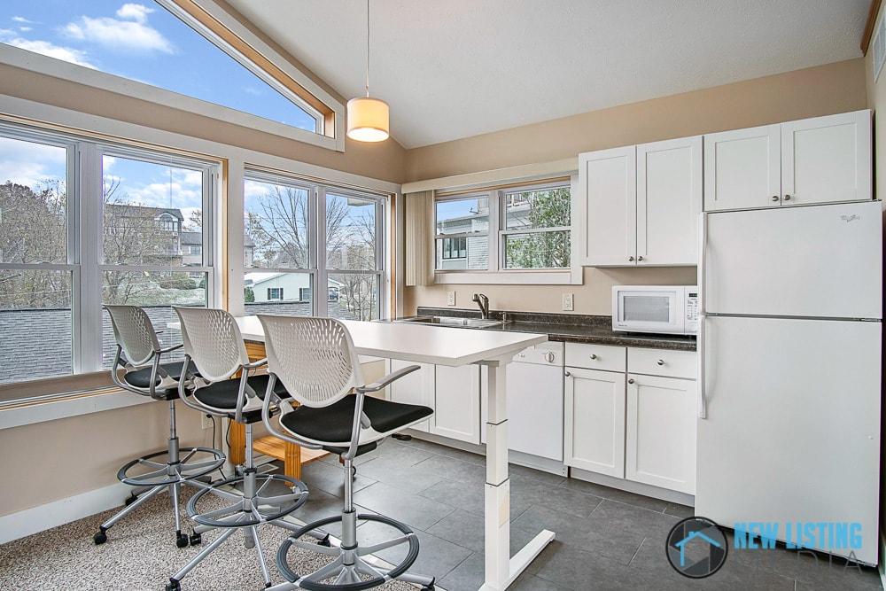 NLM Real Estate Photos (10 of 11)