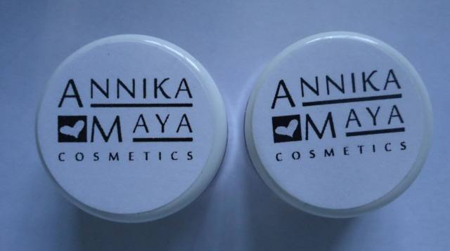 Annika Maya Mineral Blush Pink Berry, Shimmer Powder Sienna Review, Swatches