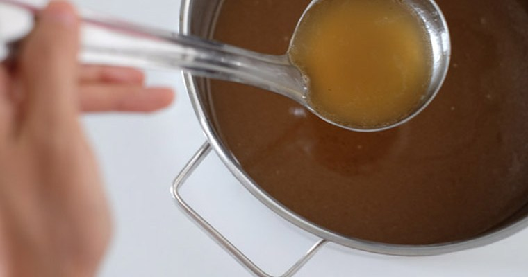 How bone broth keeps us looking young?
