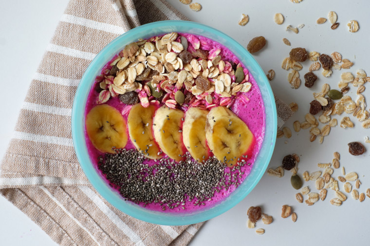 Pink Pittaya Smoothie Bowl – 5 ingredients + 5 min