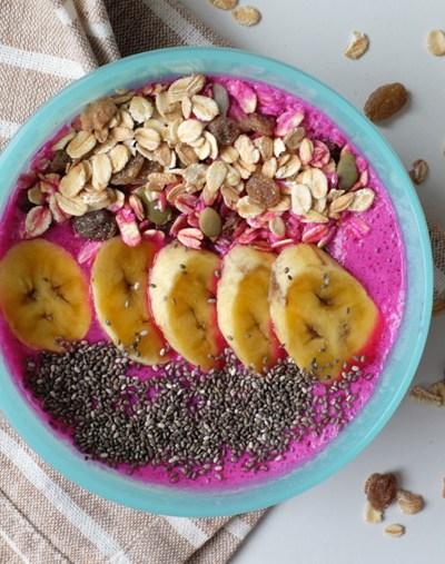 Pink Pittaya Smoothie Bowl – 5 ingredients + 5 min