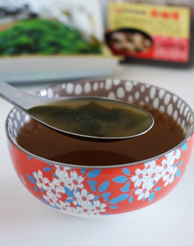 Easy Miso Soup – 3 ingredients