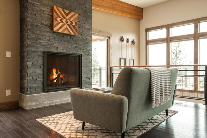 bc2015_great-room_01_sofa-at-stone-fireplace_h.jpg.rend.hgtvcom.1280.853