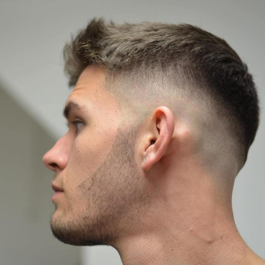 short-hairstyles-for-men-2019-taper-mid-fade-texture