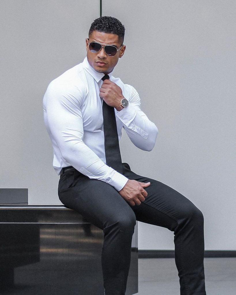 shirts for muscular men