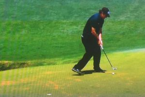 Unlike Phil Mickelson, Calum Hill avoided hitting a moving ball at Shinnecock on Saturday.