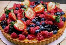 Clafoutis fruit tart