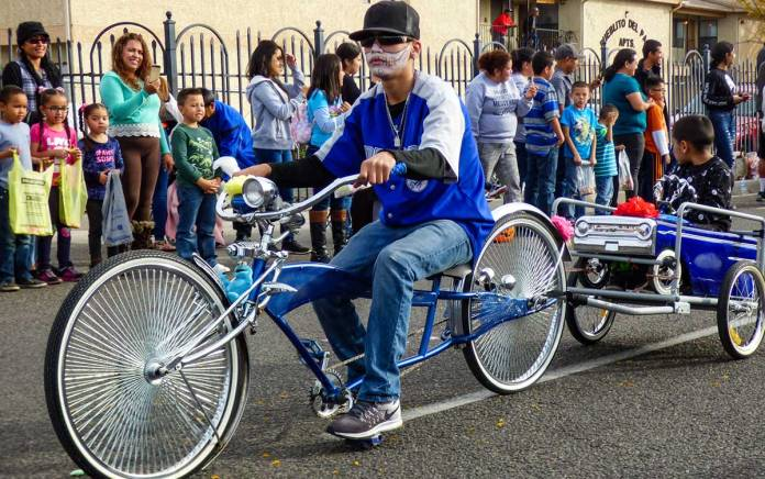 Low rider bicycle in the Day of the Dead parade