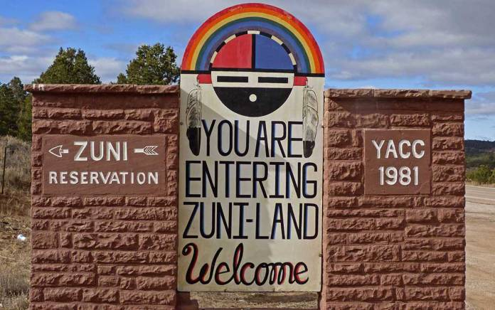 Zuni welcome sign