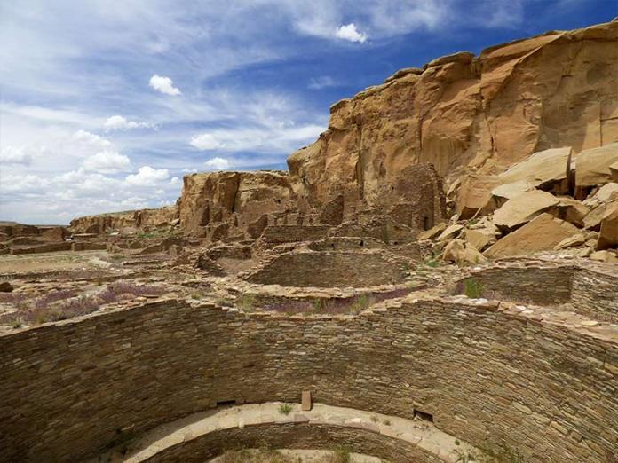 Pueblo Bonito kiva cluster