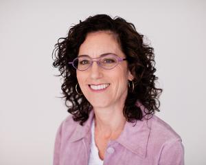 Louise Aronson, Flash Fiction Winner