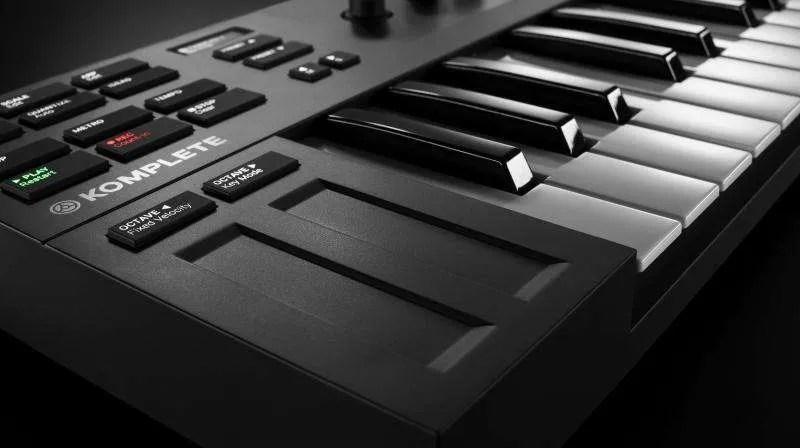 Komplete-Kontrol-M32 - Le touch strip
